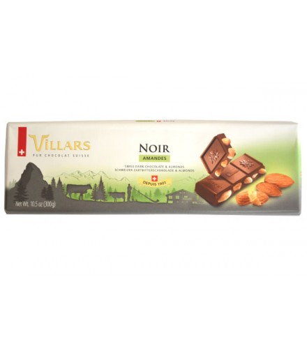 Swiss milk chocolate with hazelnut pieces