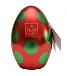 Huevo rojo en metal
